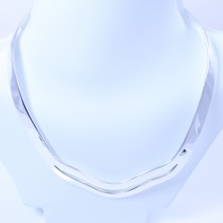 Sterling silver oval choker with double front curvey band
