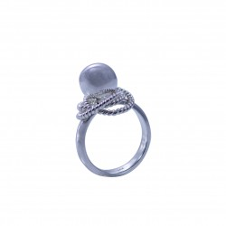 Sterling silver ring with spinning silver rope